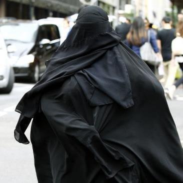 hiding-burka