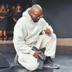 Kanye-West in church